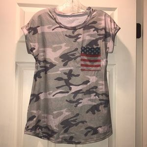 Tops - 🇺🇸 Camouflage with American Flag T-shirt 🇺🇸